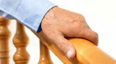 kéz lépcsőkorláton - életmód váltás