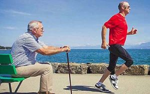 sportoló idős férfi