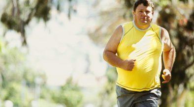 elhízott férfi fut