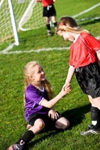 gyerekek a sportpályán