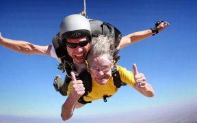időskori fizikai aktivitás - tandem ejtőernyőzés
