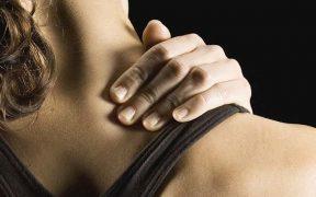izomláz a nyaki területen