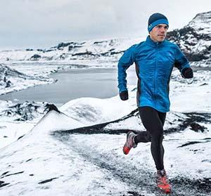 hipotermia - lehűlés - futó tó mellett télen