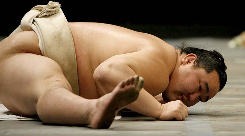 stretching nyújtás - sumo versenyző