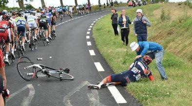légmell kerékpáros bukás után Reto Hollenstein