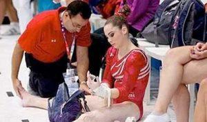 sportorvos női tornásszal - zaklatás