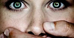 zaklatás - befogott száj